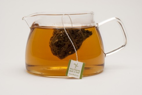 two-leaves-brewed-sachet-1-1024x685